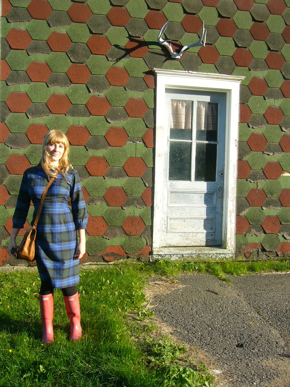 I love this dress, I usually wear it with a belt (I was apple picking that day, so kept it casual)